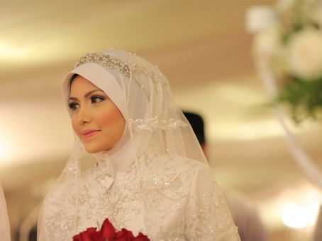 wedding hijab idea, simple