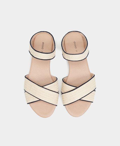 BEACHWEAR - Novità - Tendenze moda donna SS 2017 su Oysho on-line : biancheria intima, lingerie, abbigliamento sportivo, scarpe, accessori e costumi da bagno.