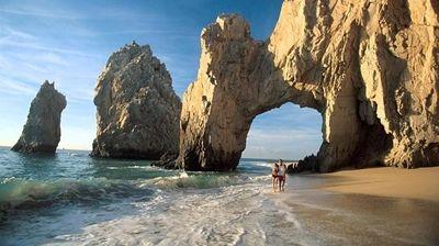 Un lugar de gran belleza natural, donde te conectes con tu lado aventurero, comodidades y una deliciosa gastronomía. Los Cabos Península de Baja California