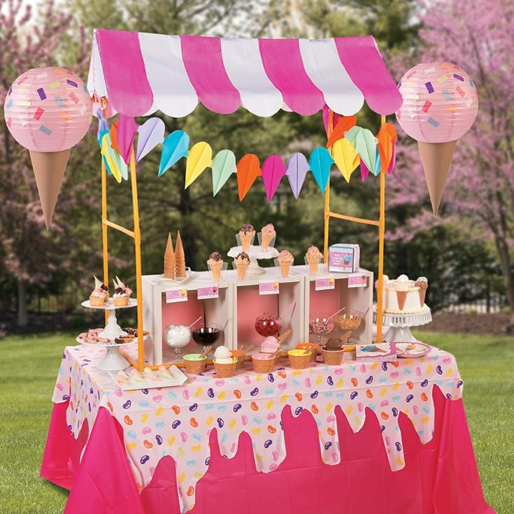 Ice Cream Party Tablescape Idea | This decorating idea is so sweet for your ice cream celebration! #party