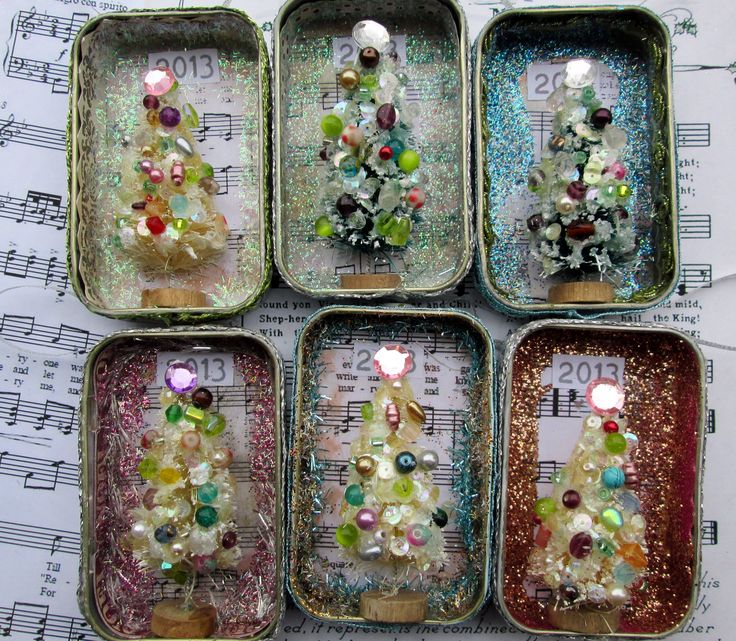 Christmas Altoid altered tins