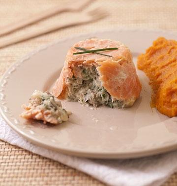 Terrines de saumon fumé au poisson blanc, champignons et ciboulette - Recettes de cuisine Ôdélices