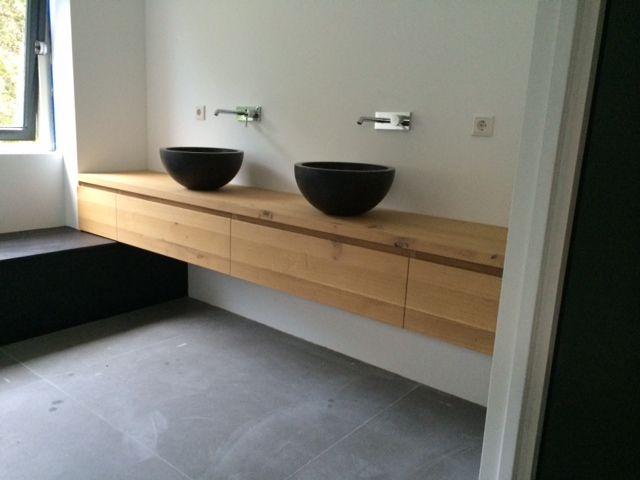 Badkamermeubel eiken gemaakt in Losser: simpel en strak!