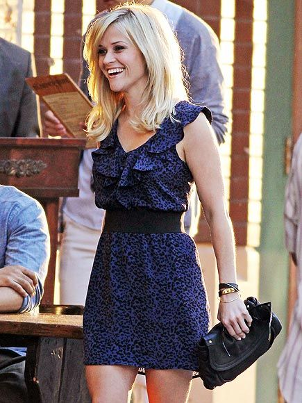 Love her!Reesewitherspoon, Reese Witherspoon, Fashion, Ree Witherspoon, Cute Dresses, Hair Cut, Leopards Prints, Ruffles Dresses, The Dresses