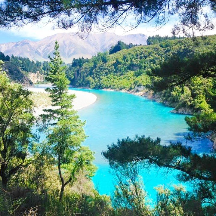 How can you not want to go to New Zealand when you see nature like this? Whenever you go add Rakaia Gorge to your bucketlist!