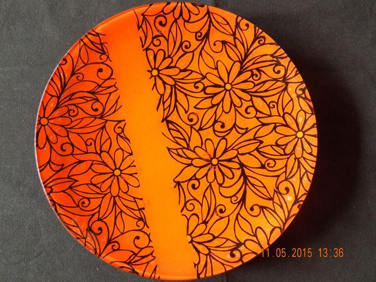 https://flic.kr/p/sA9Edd | Plato naranja con flores | Plato de 36 cm de diámetro dibujado con pluma totalmente a mano.