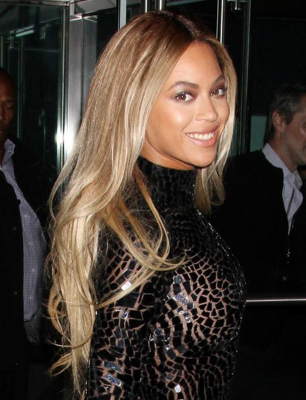 Beyonce goes blonde
