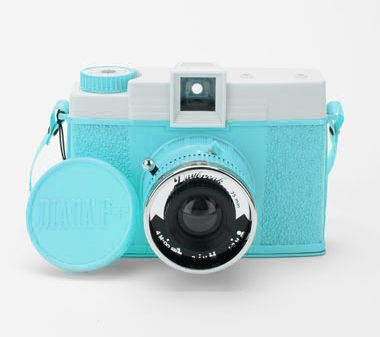 pht: Vintage Camera, Pink Camera, Fashion Camera, Favorite Colors, Pink Colors, Pink Diana, Pink Shoes, Neon Pink, Retro Camera