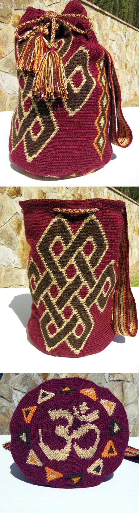 Bolso Bandolera con símbolos tibetanos emulando las Mochilas Wayuu. Http://www.esdovi.com