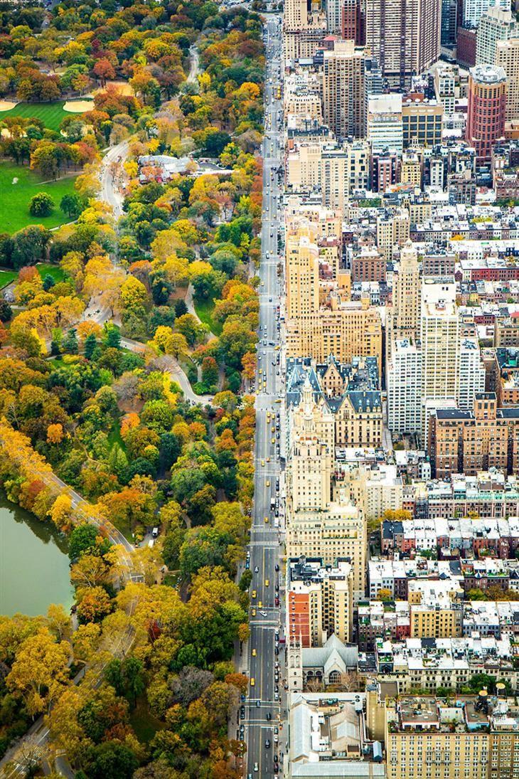 """Qué tal... Dividida, Manhattan, Nueva York, en Estados Unidos.  """"Esta foto fue tomada desde un helicóptero que iba en dirección hacia el sur del Central Park West, el día 5 de noviembre de 2014, Fotógrafo: Kathleen Dolmatch, Mención de honor, Categoría: Ciudades National Geographic."""