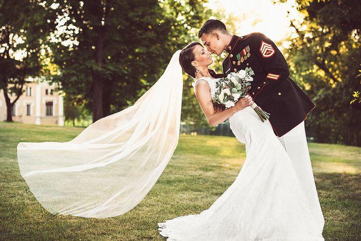 Petra a Luis, Chateau St.Havel Praha - svatební fotograf Martin Kup #weddings #wedding #portrait #bride #groom #prague #praha #marinecorps #usa #czech
