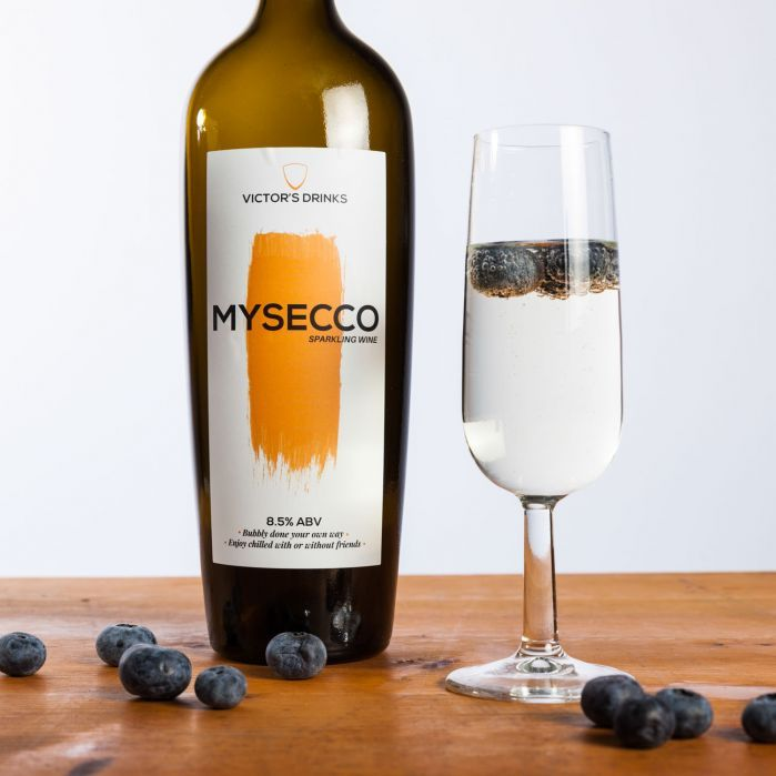 Mysecco schuimwijn om zelf te maken  #mysecco #prosecco #schuimwijn #wijn #smaak #taste #alcohol #bubble #bubbles #fles #glas #diy  recept #recipe #recepten #recipes #bubbels #bubbel