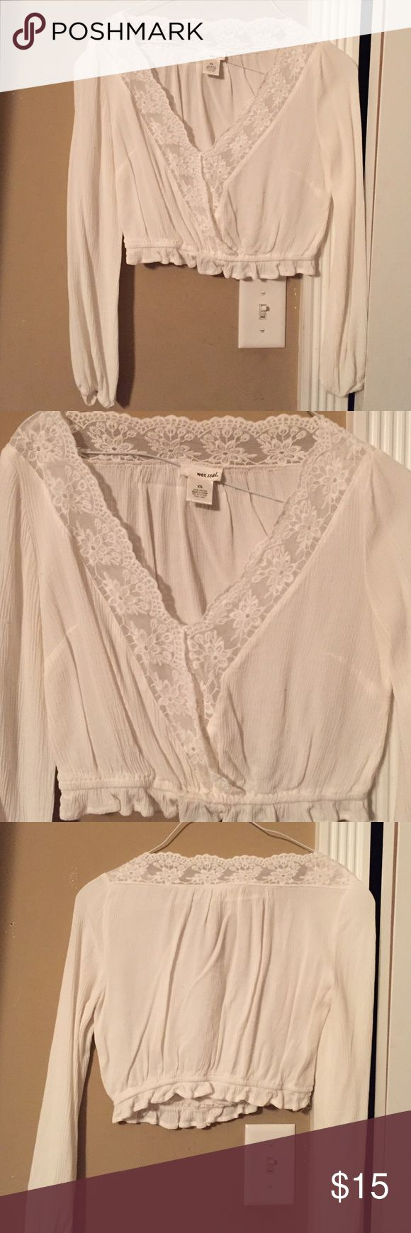 Cream colored wet seal crop top Cream colored wet seal crop top. Only worn once. Too small! Does not stretch! Wet Seal Tops Crop Tops