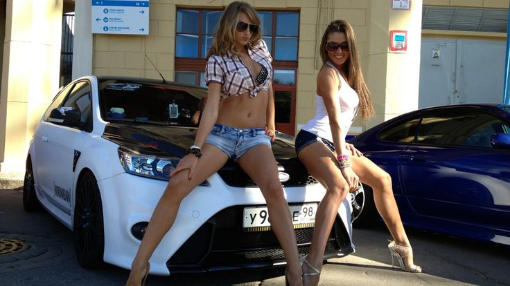 Ford Focus RS mk2 white tuning & Two Girls