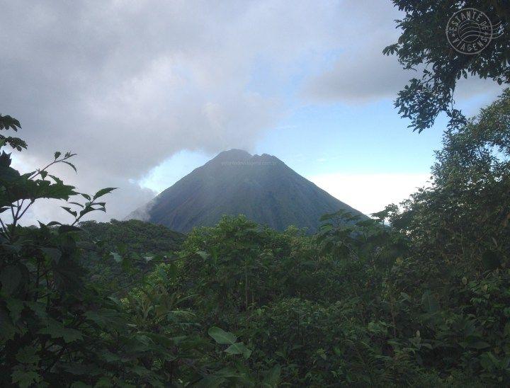 vulcão Arenal visto do topo do vulcão Cerro Chato