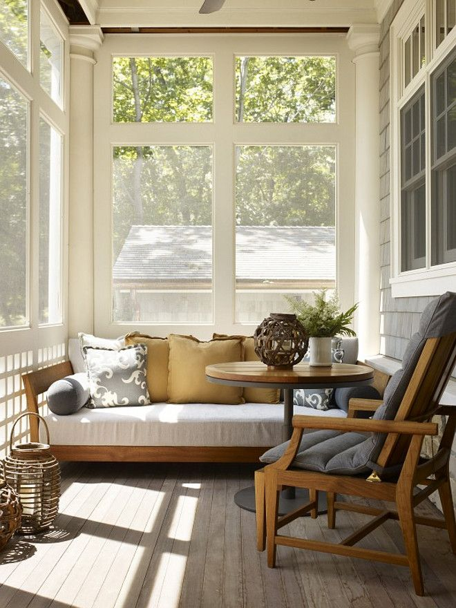 Screened Daybed Porch. Screened porch with daybed. Screened porch. #Screenedporch Hickman Design Associates.