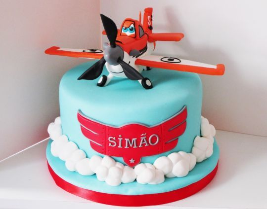 Dusty Planes Cake - For all your cake decorating supplies, please visit craftcompany.co.uk