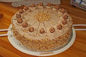 Nussbuttercreme - Torte