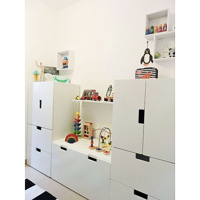 affordable a esta pared le falta algo iniciamos la bsqueda de algn vinilo moln with ikea meuble. Black Bedroom Furniture Sets. Home Design Ideas