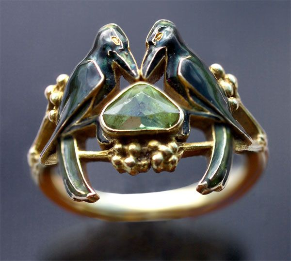René Lalique jewellery 1860-1945 with two birds 'The Betrothal -To Have & To Hold' Art Nouveau Ring Signed: 'LALIQUE' French. Circa 1904. An important & rare engagement ring