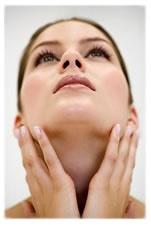 produits de bauté maisons, du masque facial à l'avocat au soin pour les ongles et le dents