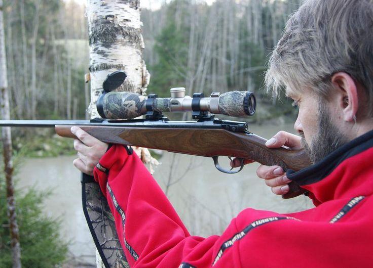 I'm an average shooter - so I always try to use a tree a bipod or a shooting stick for support. With those i become quite the little marksman #jakt #jagd #hunter #hunt #hunting #chasse #caza #rifle #guns #wildlife #jaktbilder #njff #norgesjegere #huntinglife #nordichunter #villmarksliv #jeger #waidmannsheil #deer #elkhunting #moosehunting #roedeer #deerhunting #rådyr #rådyrjakt #hjortejakt by bukkefall