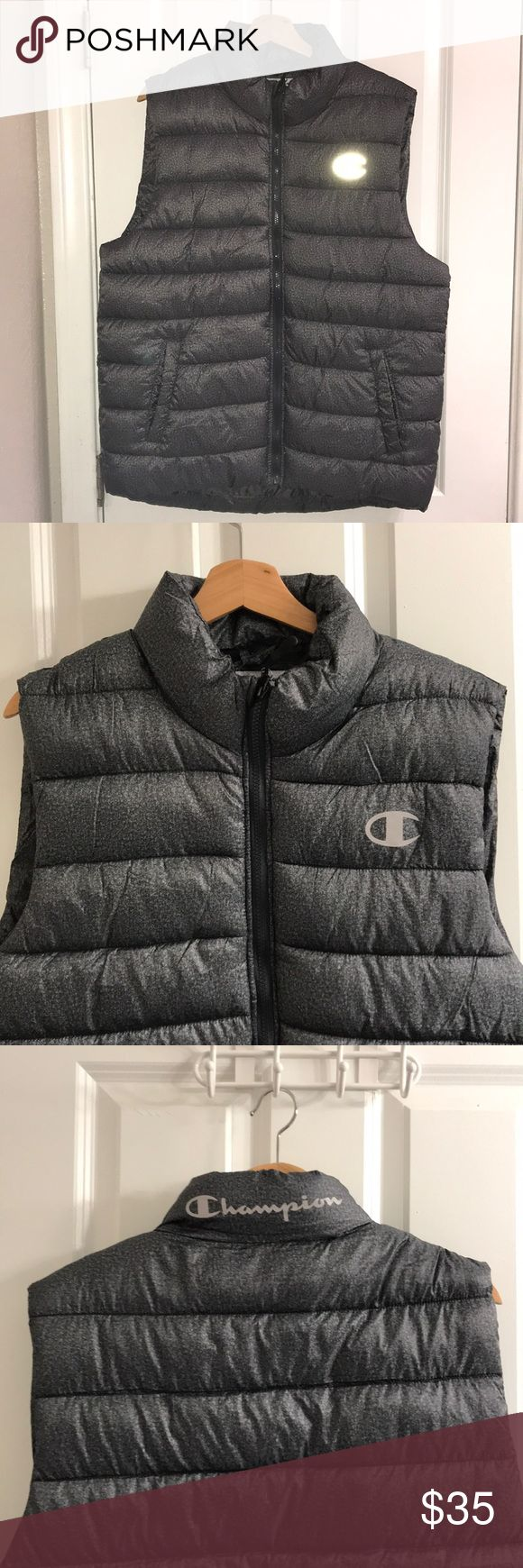 CHAMPION PUFFER VEST JACKET Brand new with tag 🏷 Color