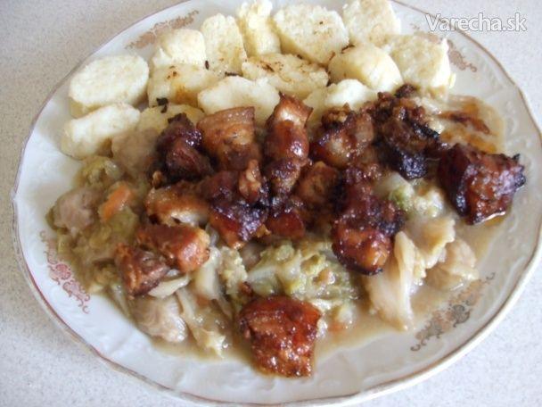 Vepřové výpečky jinak s dušenou kapustou a bramborovými špalíčky (fotorecept)