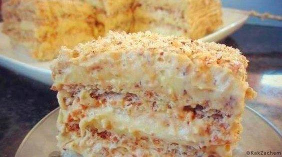 Túto super tortu som jedla po prvýkrát na dovolenke a nedám na ňu dopustiť. Dokonca mi na ňu nechali recept a teraz ho môžete mať aj vy Ingrediencie na cesto: 3 bielka 2,5 PL cukru 1/2 PL múky 50g mletých orechov (vlašské alebo lieskové) Celkovo vám vyjdú 3 korpusy (ingrediencie
