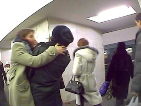 attack policewomen with kisses