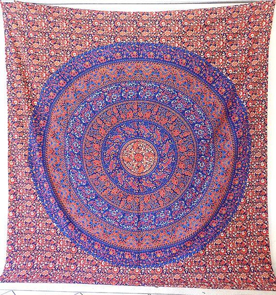mandala en tissu fleuri grand coton mur par fabricsarmaya. Black Bedroom Furniture Sets. Home Design Ideas