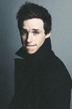 eddie redmayne. @Sam McHardy Taylor Price Seriously this guy is Robert and it's scary. Keeping the tag. Lol-ing.