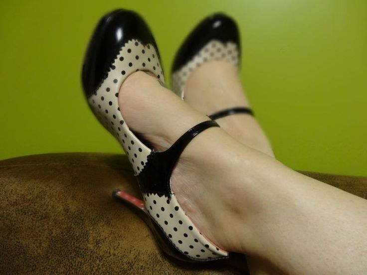 Chaussures Escarpins Pin-Up Rockabilly Vintage 50's Mary Jane Pois Polka Beige
