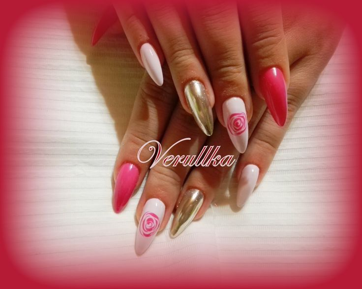 Pink gel nails with mirror pigments and roses