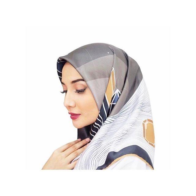 Follow @photoartisindonesia . @zaskiasungkar15 . #artis #selebriti #selebgram #model #artist #celebrity #entertainer #host #presenter #fashion #indonesianartist #photomodel #sweet  #photoartisindonesia #beauty #pretty #cantik #jilbab #hijab #muslimah #zaskiasungkar15 #zaskiasungkar _____________ Tag teman kamu untuk photo artis terbaru http://tipsrazzi.com/ipost/1507356025727929145/?code=BTrNFGvjss5