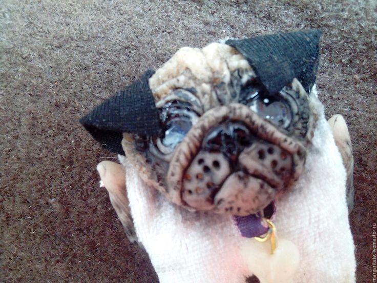 """Купить брошь """"Мопсман"""" - белый, черный, мопс, мопсик, брошь, собака, авторские украшения"""