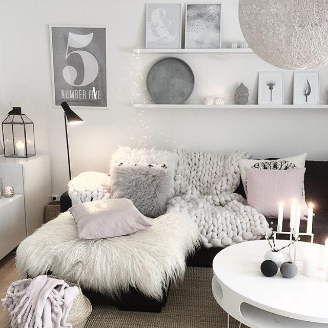 Have a great evening✨! Now it's time for the Swedish song contest and some candy. . Nu laddar vi för melodifestival med lite gott i soffan. Hoppas på några bra låtar i kväll✊. Ha en mysig kväll! #mykindoflikeinspo . . . #nordicinspiration #nordichome #nordiskehjem #nordicinspiration #asafotoninspo #mynordicroom #mzinterior #mitinspo #interior123 #interior444 #interior4all #interiørmagasinet #interior_design #interior9508 #interiorwarrior #interior_and_living #skandinaviskehjem #scand