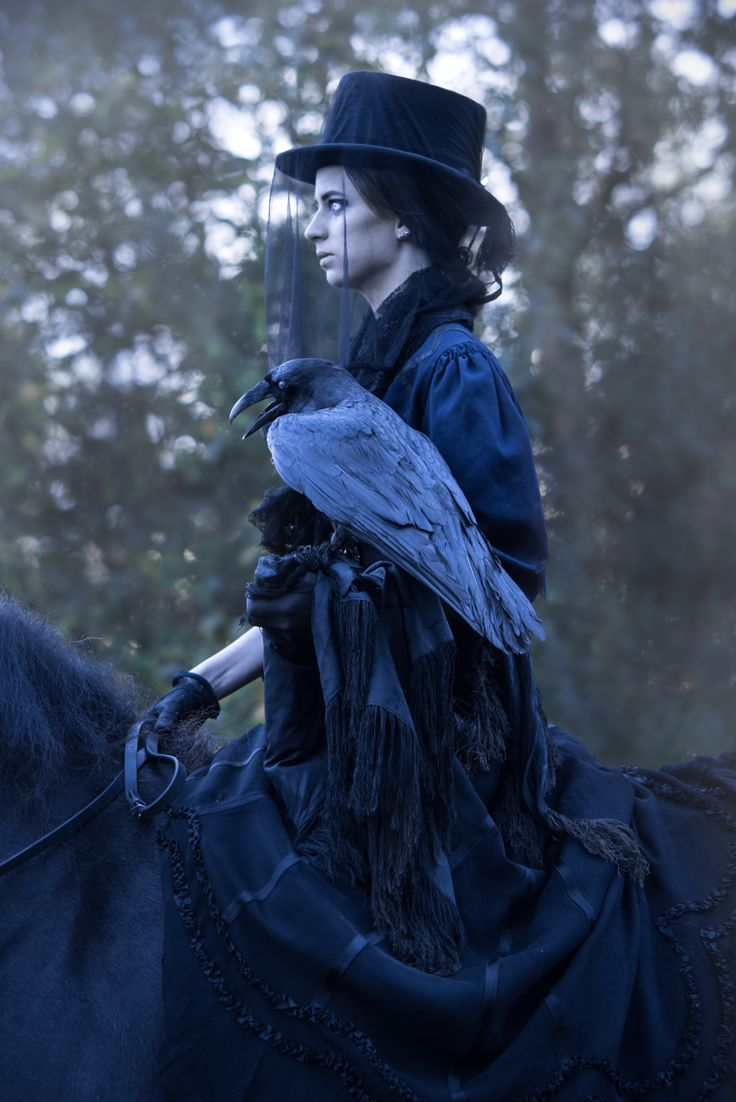 By Swedish photographer Maria Lindberg. Horror photos. Halloween costume ideas. www.facebook.com/fotografmarialindberg  My Horses, A Dead Raven And A Hound From Hell Haunted My Photos With The Lady In Black   Bored Panda
