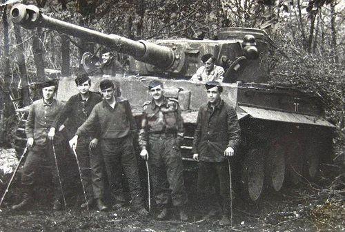 Otto Carius and his crew | Panzertruppen | Flickr