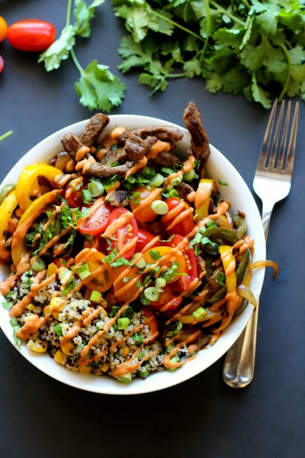 Fajita Steak Bowls-healthy flavorful mexican bowl recipe with a spiced sauce to really add the fajita flare.|wordslikehoneycomb.com