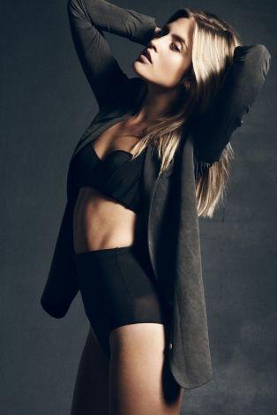 Aseno+valo Elite Model Management Stockholm - Carolina Sundström