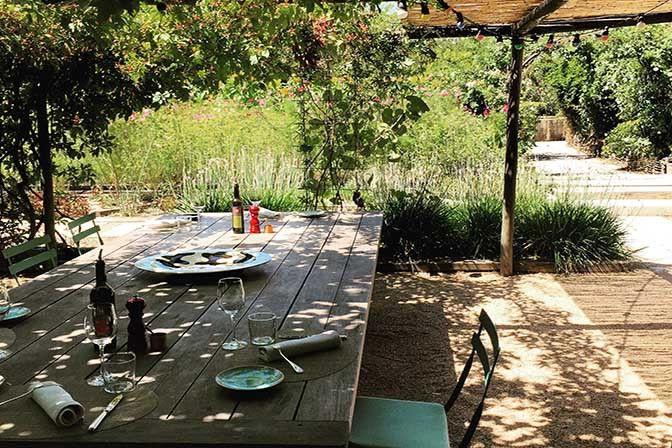 Restaurant La Chassagnette, Domaine de l'Armellière, rte du Sambuc Arles 13200. Envie : Biocool, Cuisine d'auteur, Terroir. Les plus : Ouvert le di...