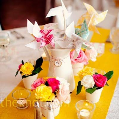 tabletopDecor, Ideas, Flower Centerpieces, Tables Runners, Centerpieces Photography, Wedding Centerpieces, Center Piece, Diy Centerpieces, Pinwheels Centerpieces