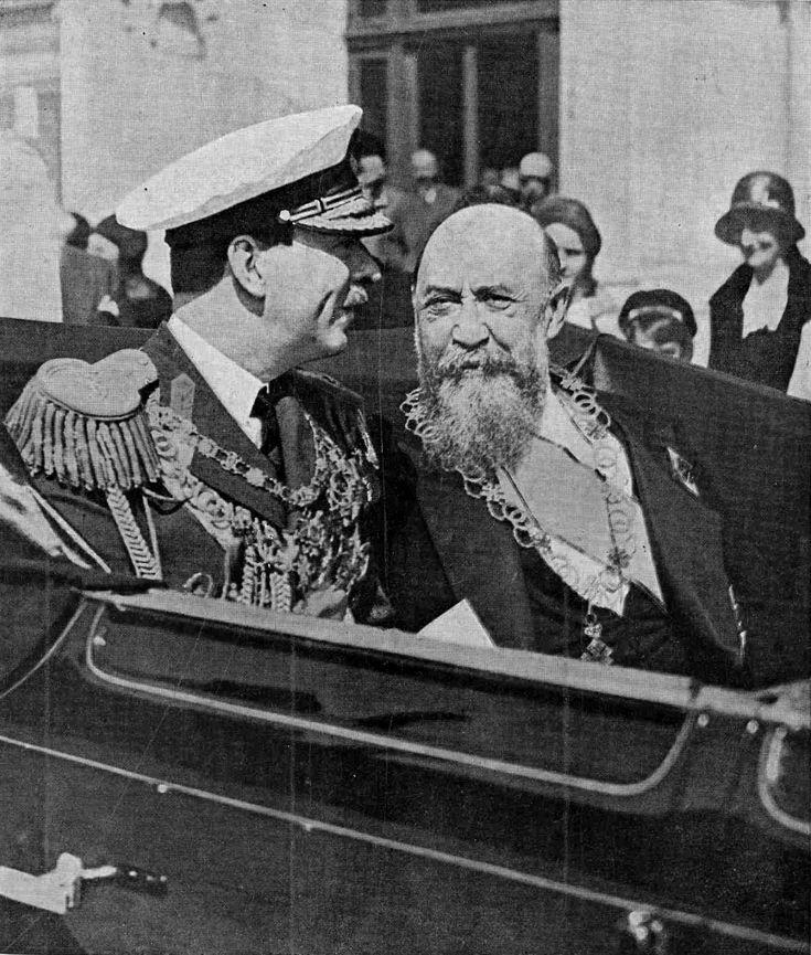 Regele Carol II cu Primul ministru, Nicolae Iorga (post 18/4/1931, desemnarea).