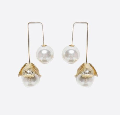a.b. Ellie earrings in gold and pearl.