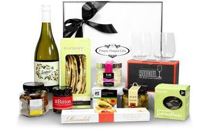 Pamper Hamper Gifts - Luxurious Gourmet Food and Wine Hamper