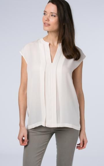 Split neck blouse with pleated details by @repeatcashmere #blouse #ss2017 #spring #springcolour #white #silk #sleeveless #soft #light #loose