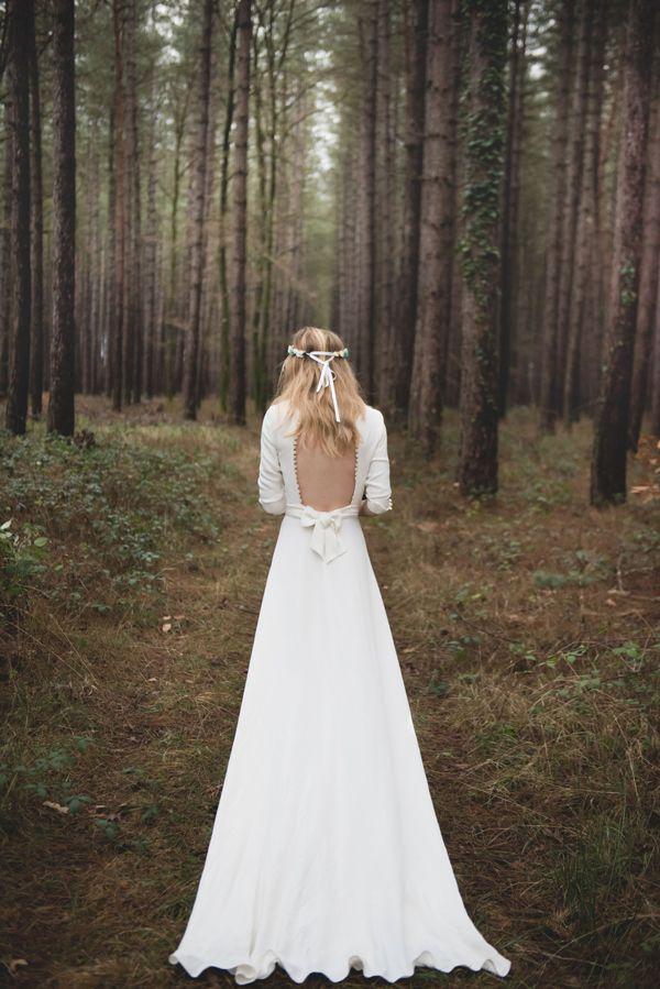 Mariage Hiver Scandinave - Design Dessine-moi une etoile - Fleurs Aude Rose - Photo Annaimages - - Robe Mademoiselle de Guise - Bijou Les Dormeuses de Madapolam - Modèle Sarah Orliaguet - Ceremonie laique