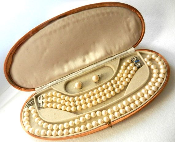 Return to Elegance Spectacular Classy Pearl by RAKcreations