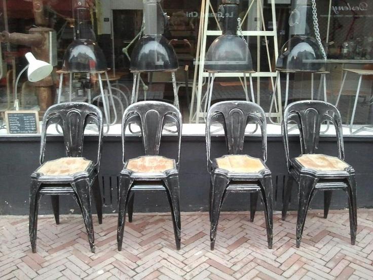 25 beste idee n over oude houten stoelen op pinterest oude stoelen en houten stoel restauratie - Stoelen tolix ...